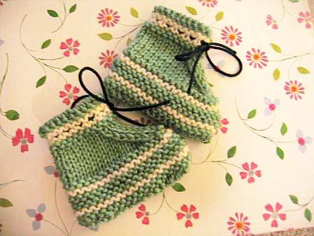 Stay On Knit And Crochet Baby Booties Free Patterns Knitnscribble