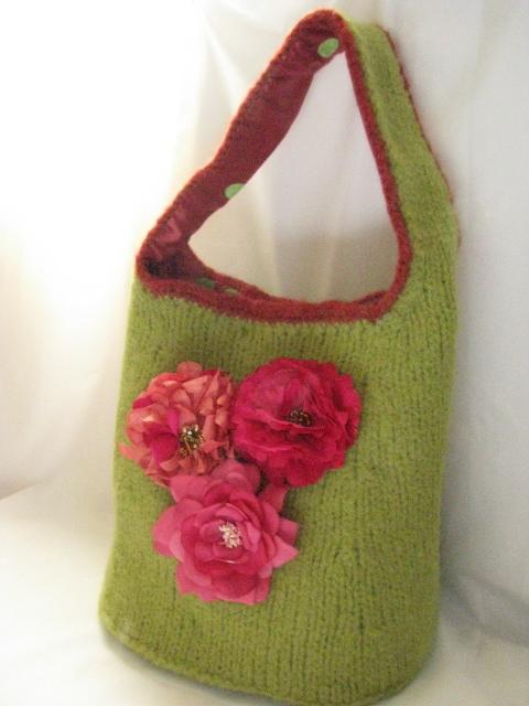 Knitting Pattern Hobo Bag : A Bucket of Roses, felted hobo bag Knitnscribble.net